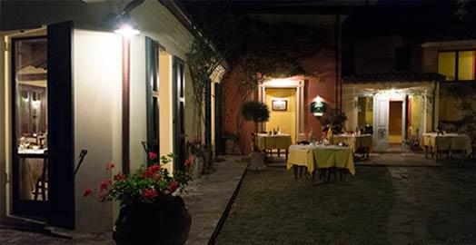 Locanda-del-pettirosso-giardino-notturno