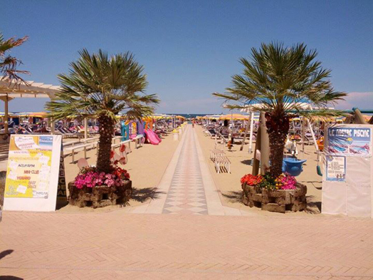 spiaggia severino e vanessa - la playa - cattolica - passerella